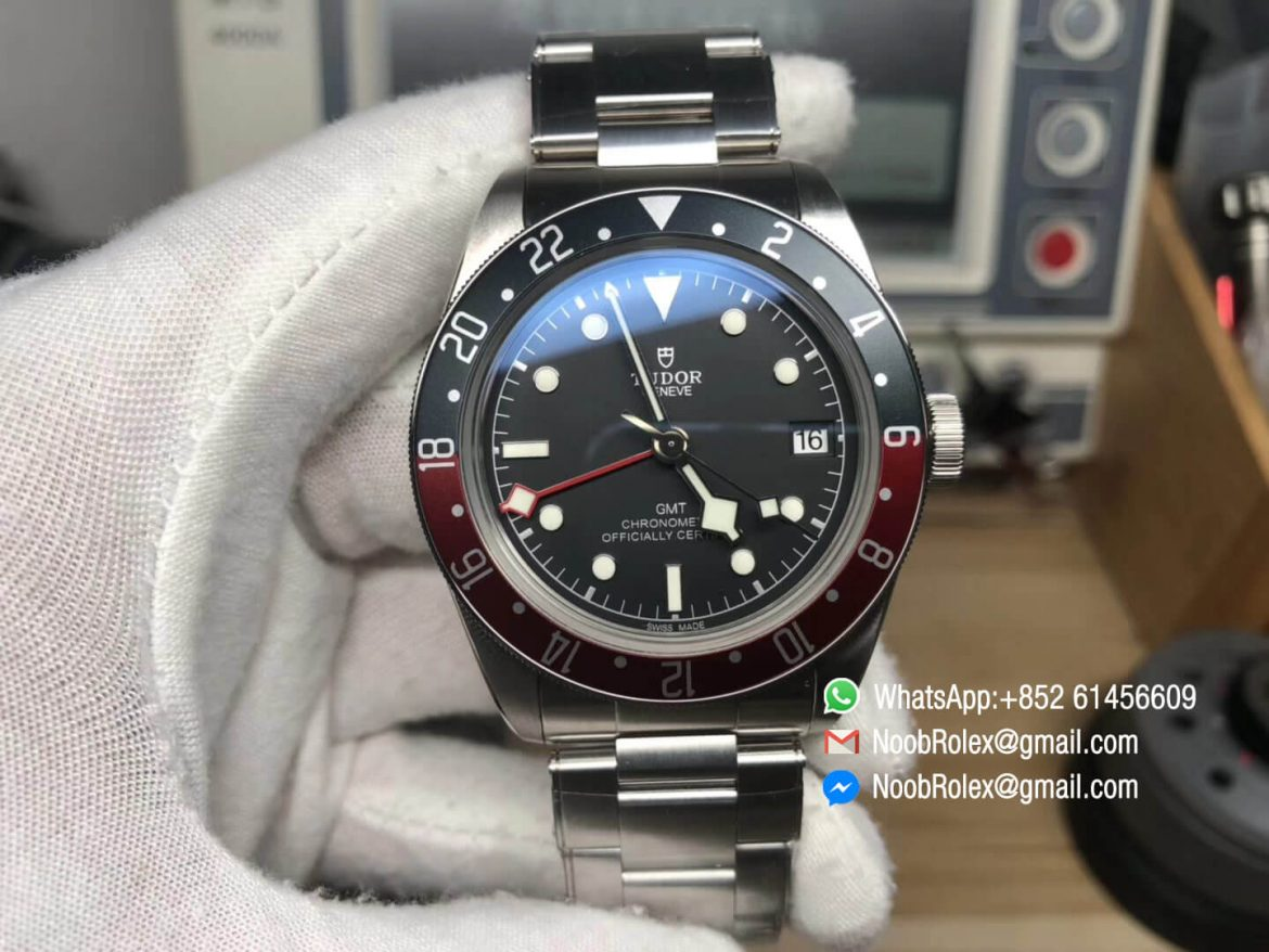Heritage Black Bay 79830RB GMT Pepsi Black Red Bezel on Stainless Steel Bracelet A2836 Movement 2018 High Quality Best Edition 01