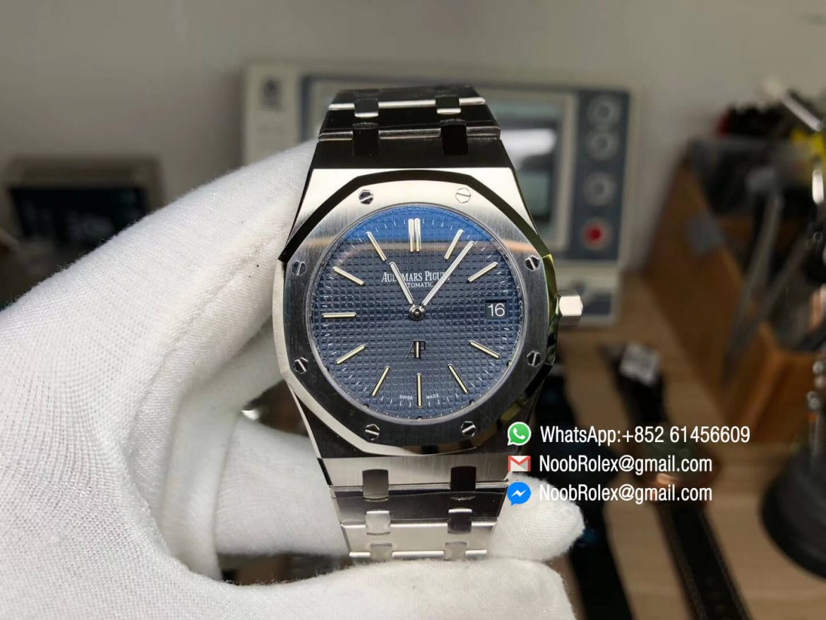Royal Oak Jumbo Extra Thin 39mm 15202 Steel Case XF Factory Edition Blue Textured Dial on Steel Bracelet A2121 01