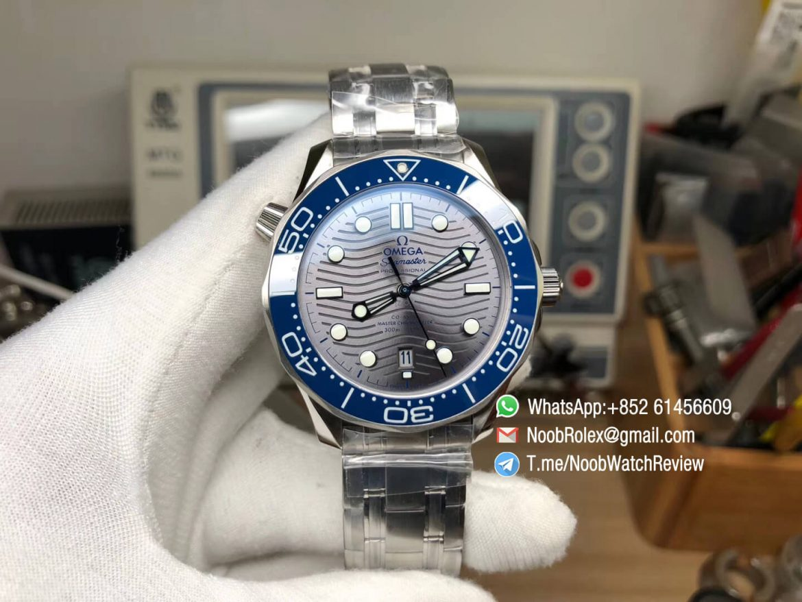 VS Factory 2018 Omega Seamaster Diver 300m Co Axial Series Steel Case Bracelet Grey Wave Textured Dial Asia Clone A8800 Movement 01