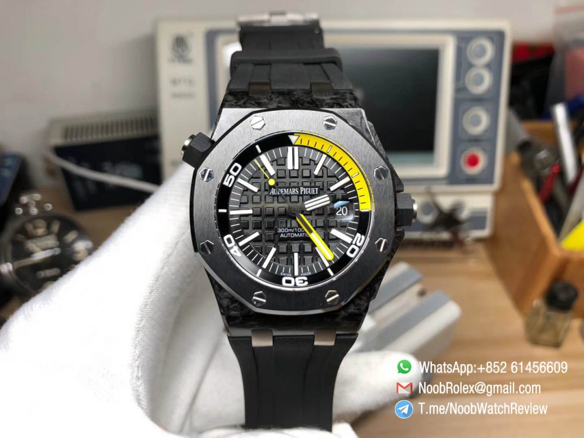 JF Swiss Replica Watch Manufacturer AP Royal Oak Offshore Diver Watch 15706 Forged Carbon Case on Black Rubber Strap A3120 01