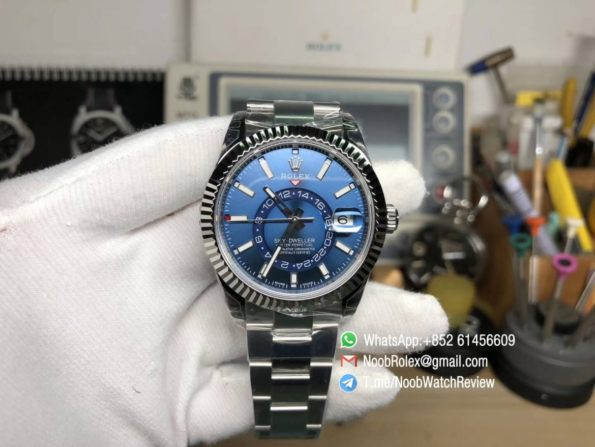 Noob Watch Quality Replica Sky Dweller 326934 Steel Case Blue Dial on Steel Bracelet Asian 9001 Movement Manual Month Display 01