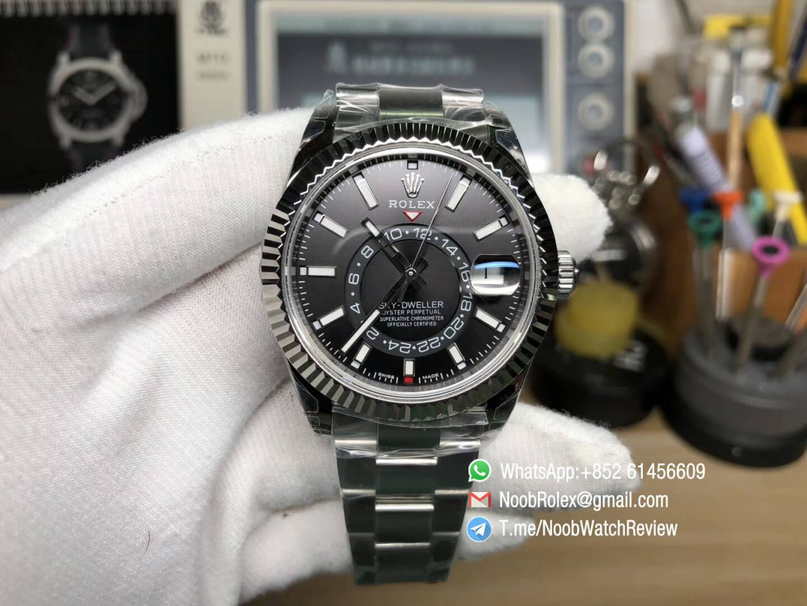 Noob Watches Top Replica Sky Dweller 326934 Steel Case Black Dial on Steel Bracelet Asian 9001 Movement Manual Month Display 01