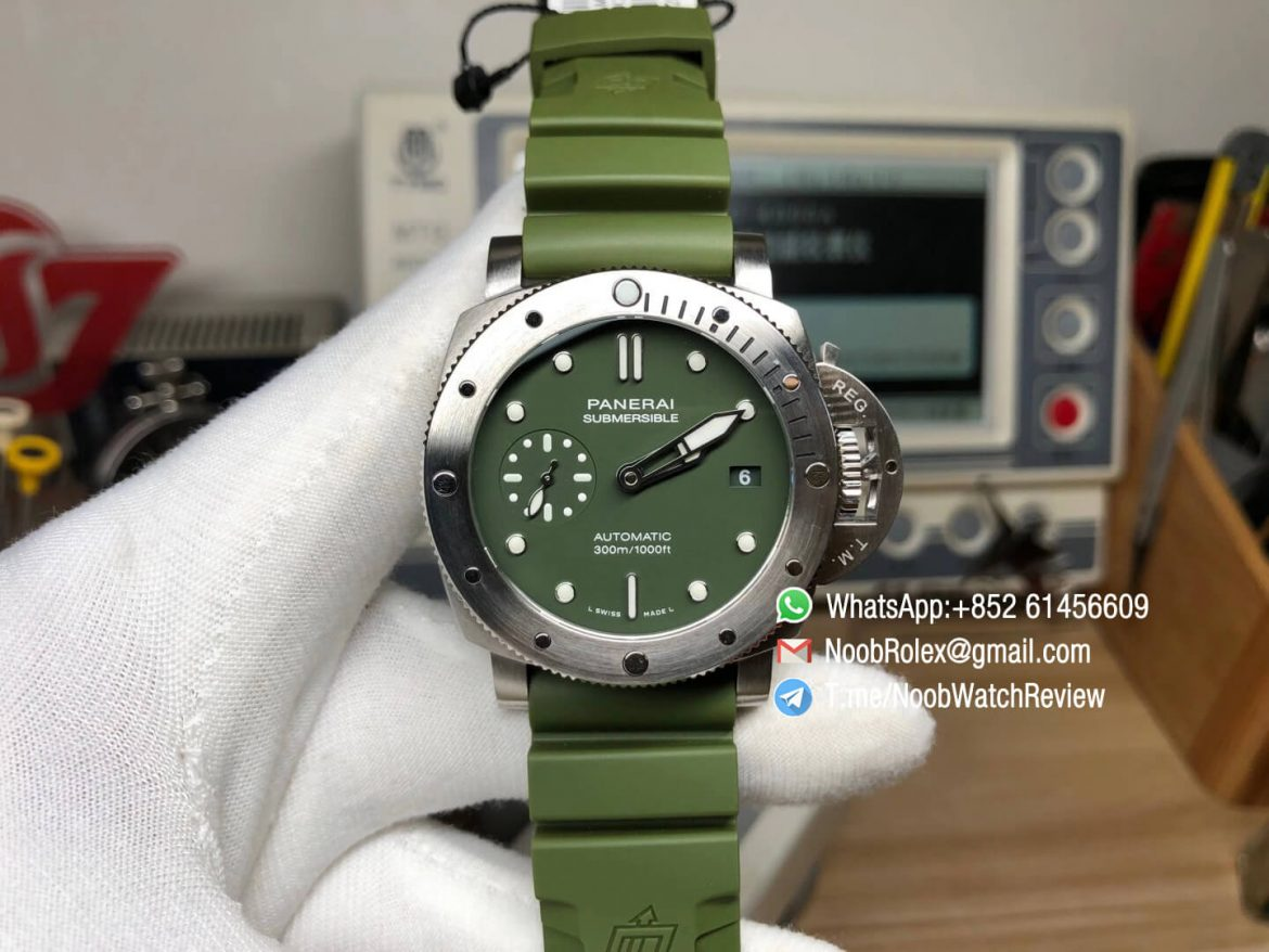 Panerai PAM 1055 PAM1055 Luminor Submersible Firenze 42mm Verde Militare VSF Edition on Green Rubber Strap P900 Clone Movement 01